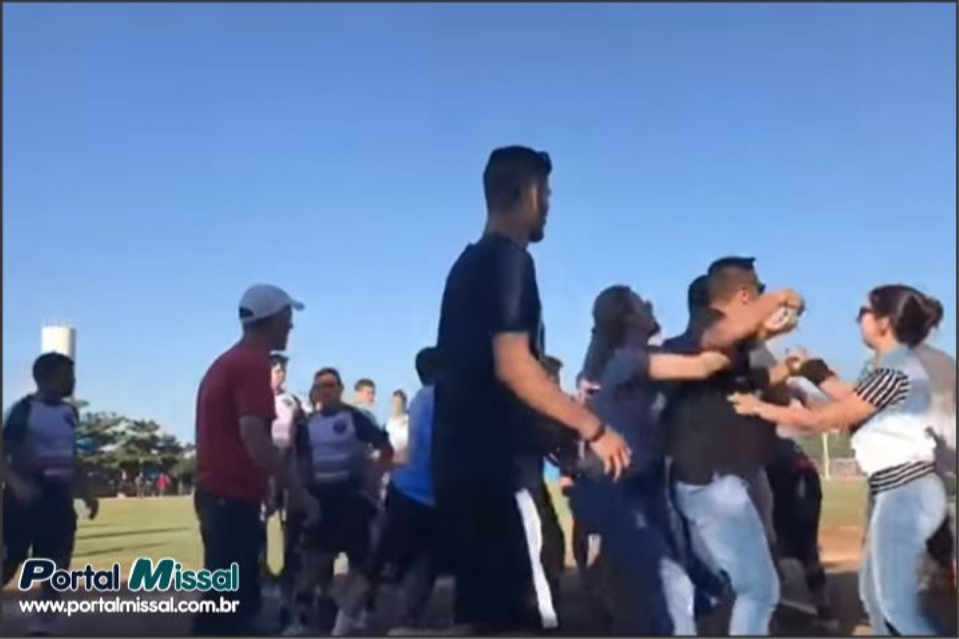 Briga generalizada encerra partida pela Copa Oeste de Futebol: Confira o vídeo