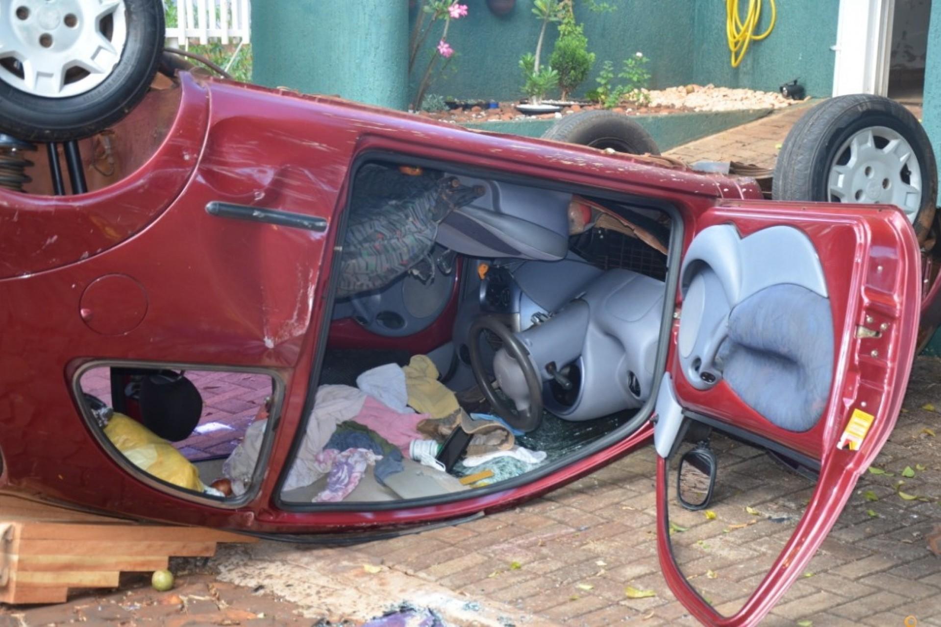 Capotamento de veículo no Bairro Floresta em São Miguel do Iguaçu