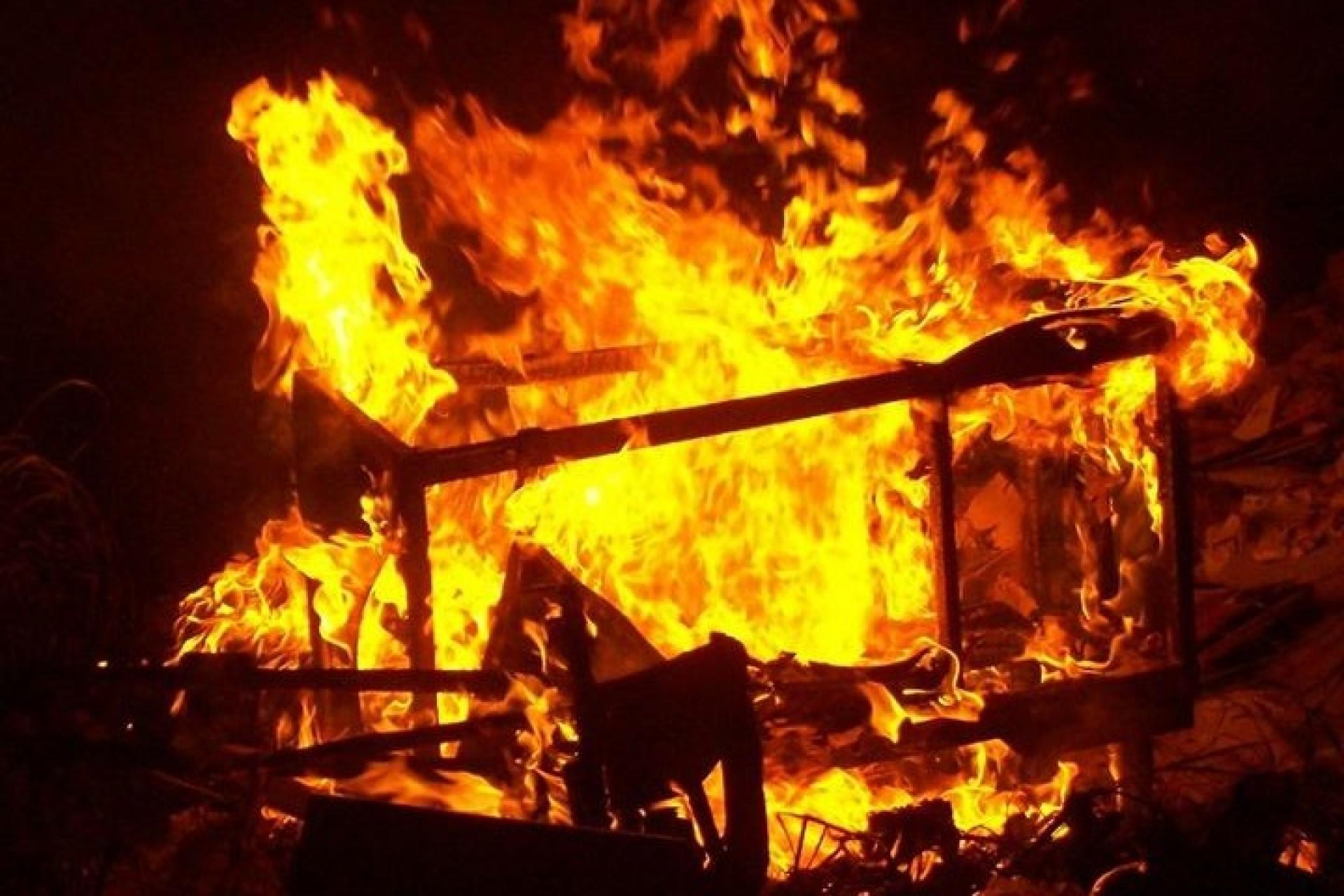 É Lei Federal: queimar lixo em casa pode dar até seis anos de prisão