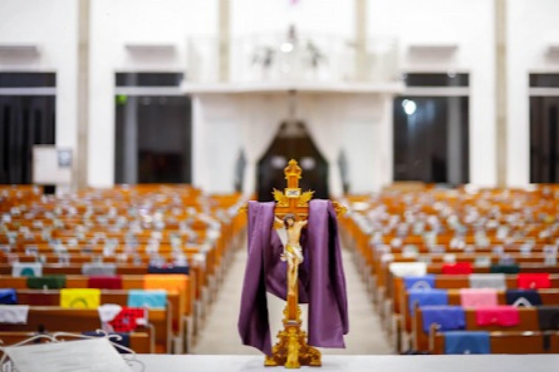 Governo proíbe cultos presenciais em 134 cidades do Paraná