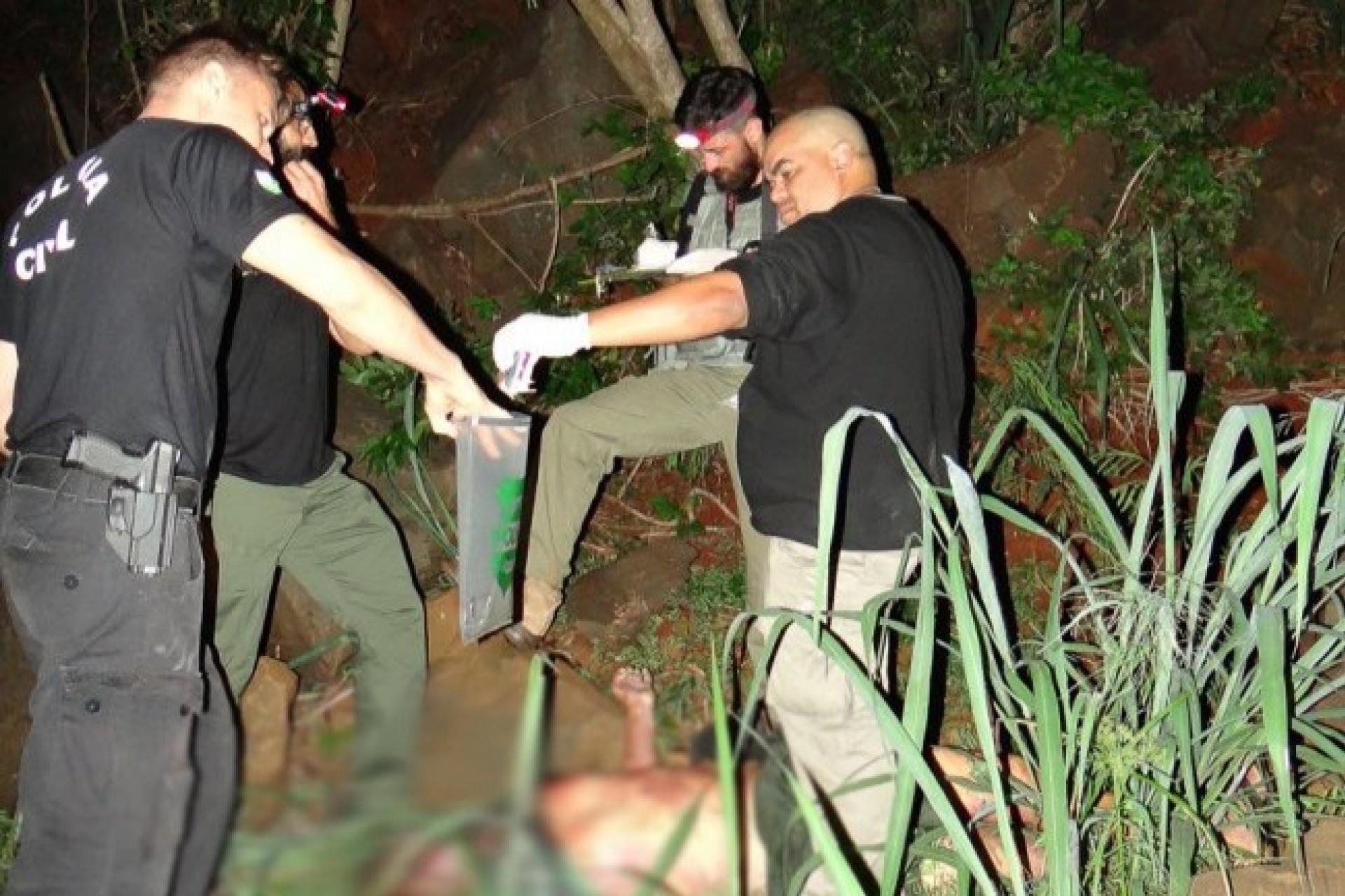 Homem encontrado próximo da ponte em Santa Helena foi assassinado a facadas