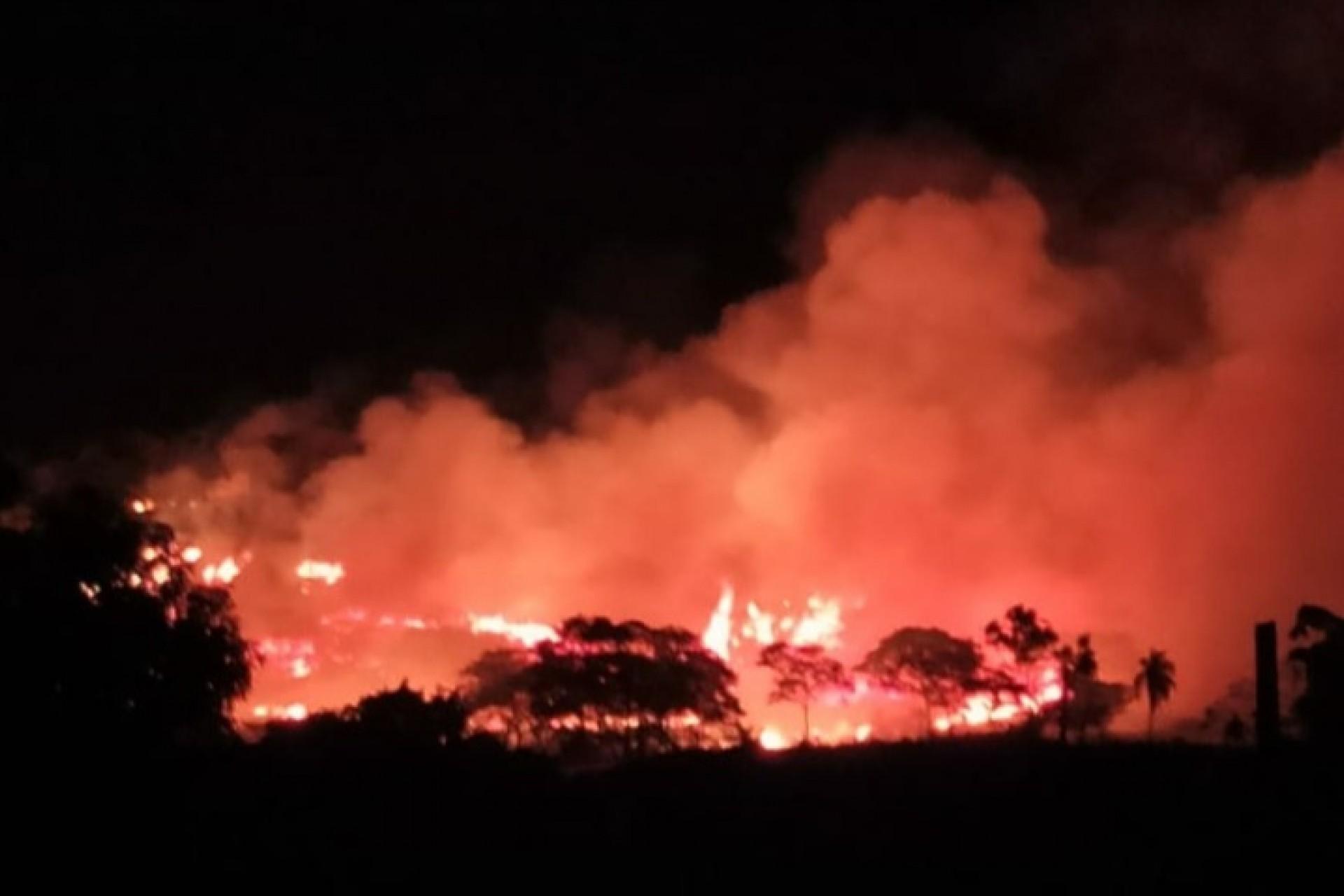 Incêndio atinge vegetação na Serra do Mico em São Miguel do Iguaçu