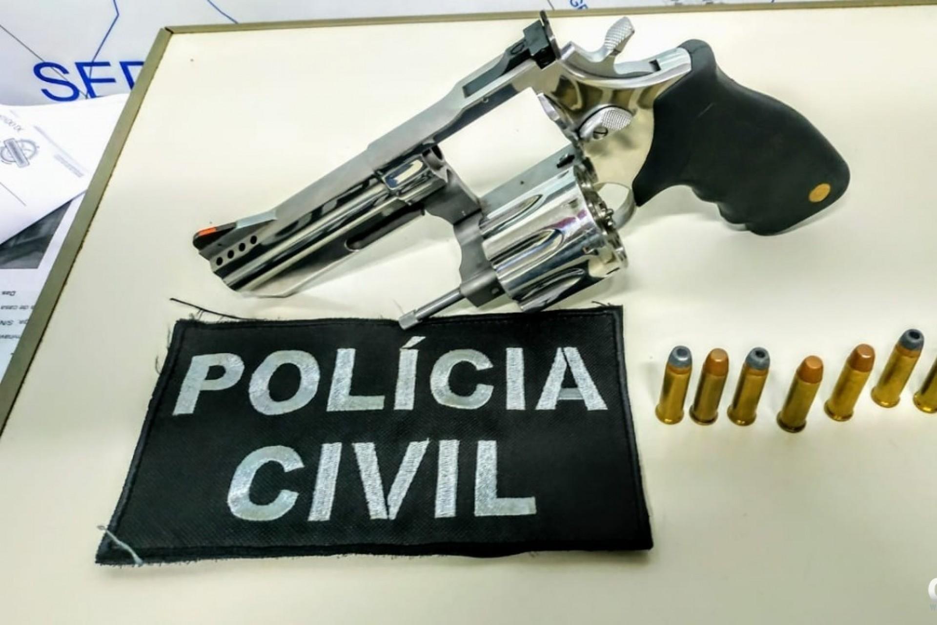 Jovem é preso pela Polícia Civil com revólver calibre 38 na cintura em São Miguel