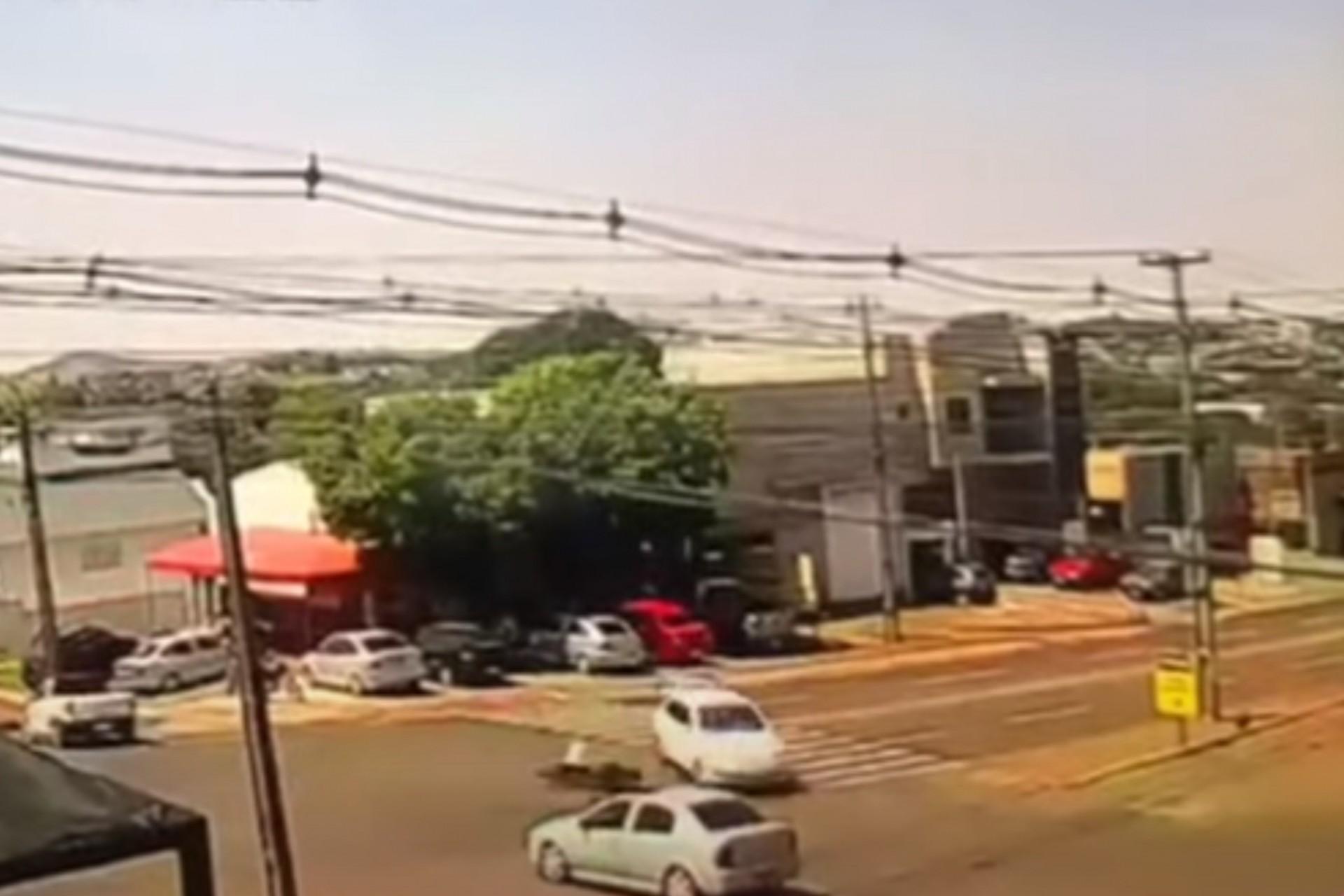 Medianeira: Motociclista fica gravemente ferido em acidente no Bairro Condá