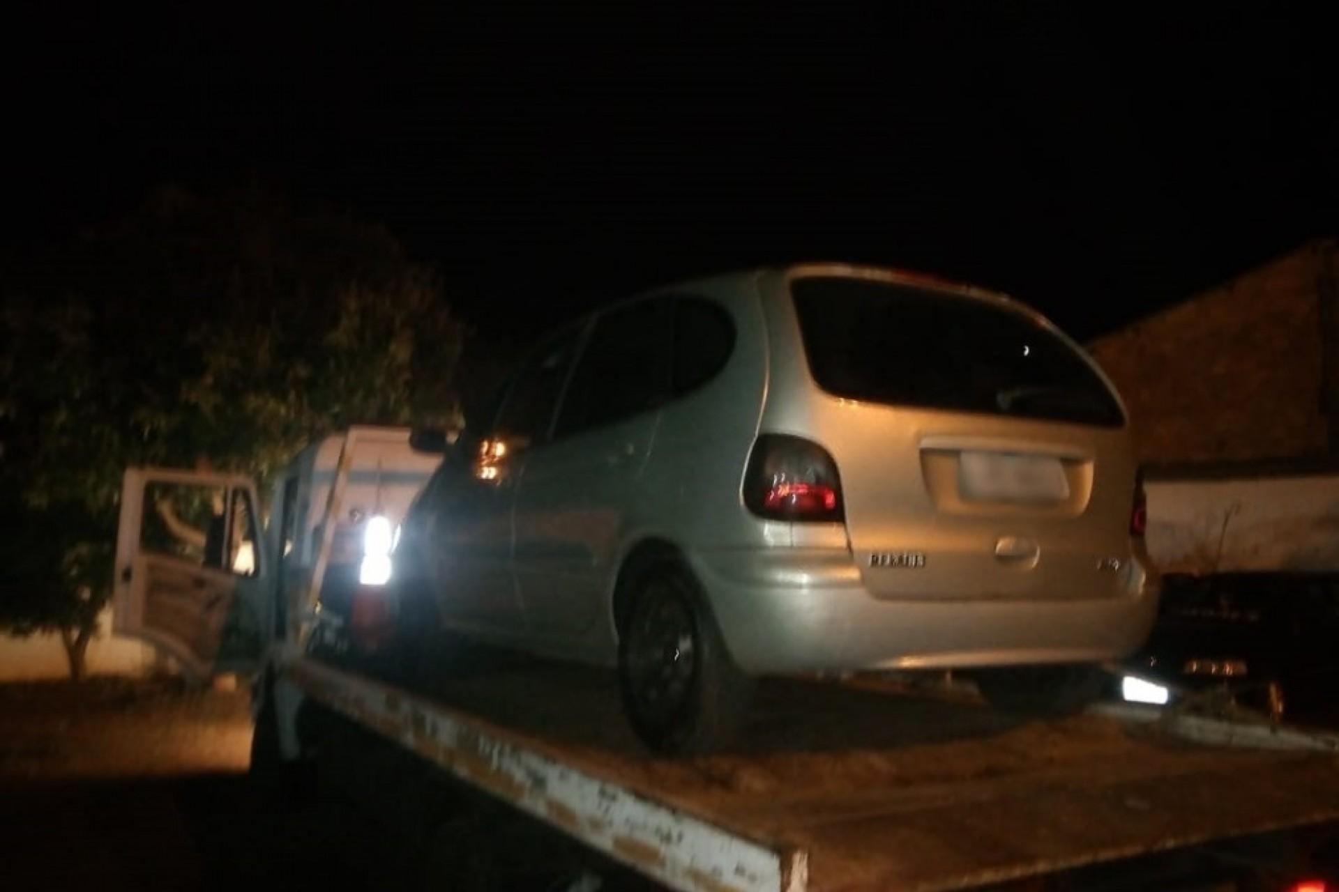 Motorista sem habilitação é flagrado embriagado após colidir em veículo estacionado em São Miguel