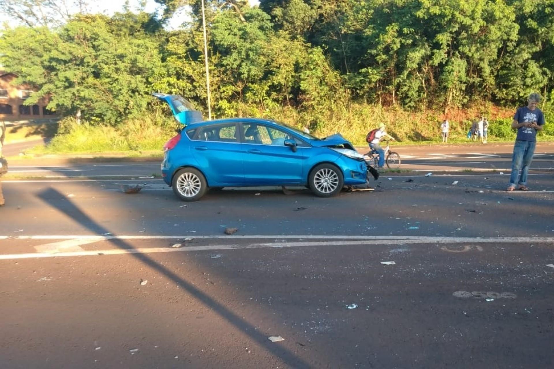 Motorista tenta fazer retorno irregular e provoca acidente na BR 277 em Medianeira