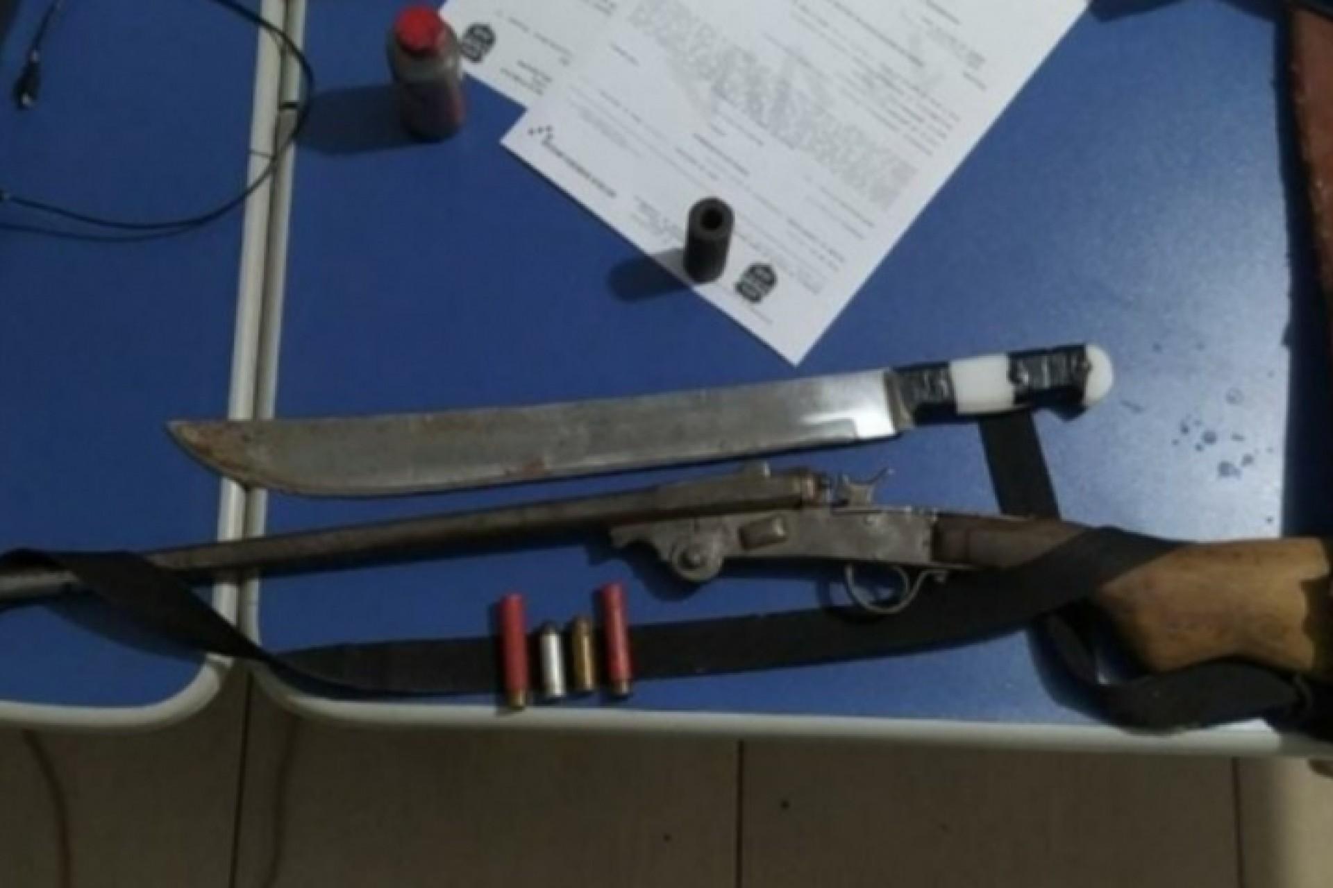 PM prende homem após espancar e cortar mulher com facão em Santa Helena