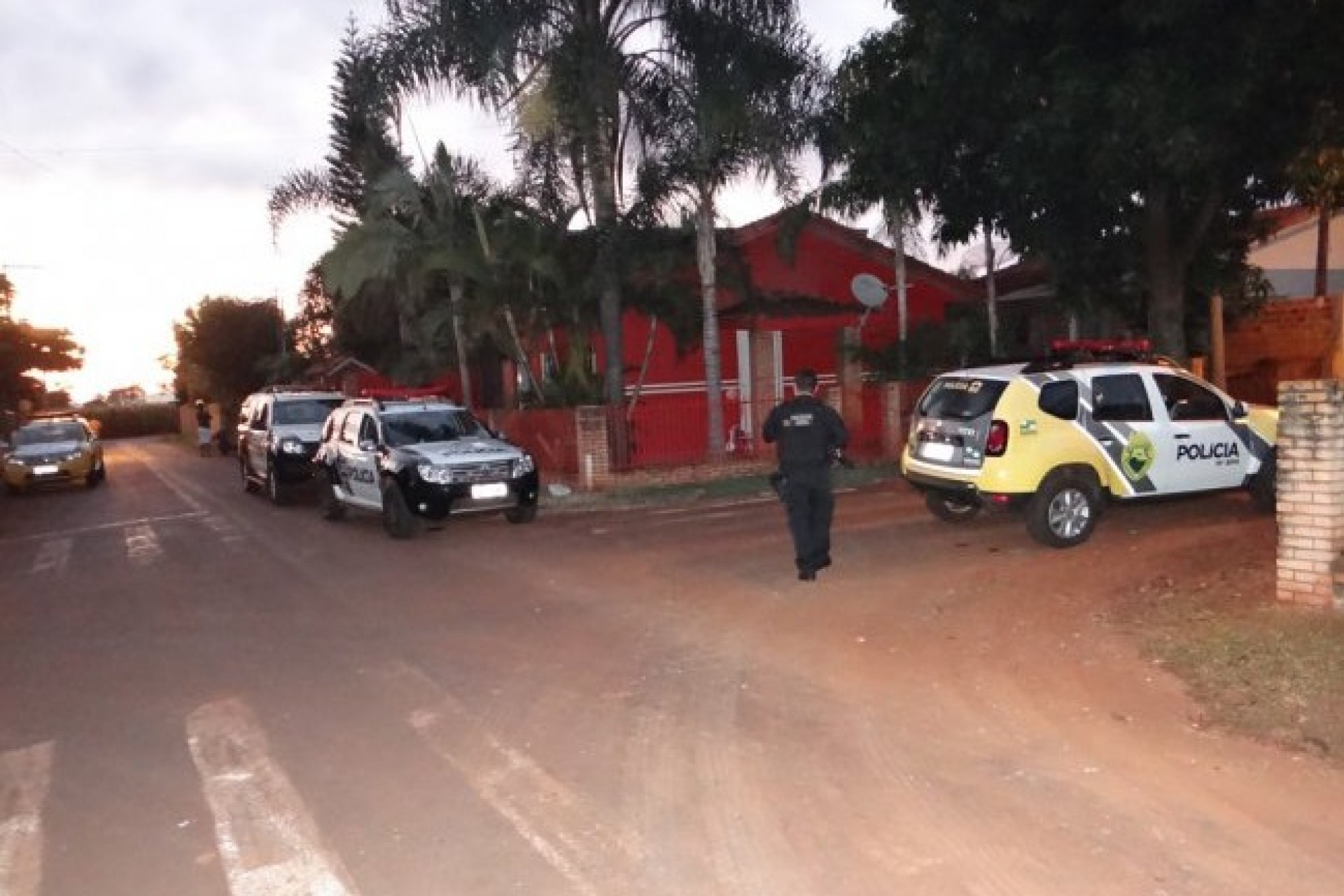 Polícia cumpre mandados de prisão contra suspeitos de participação na morte de  agricultor