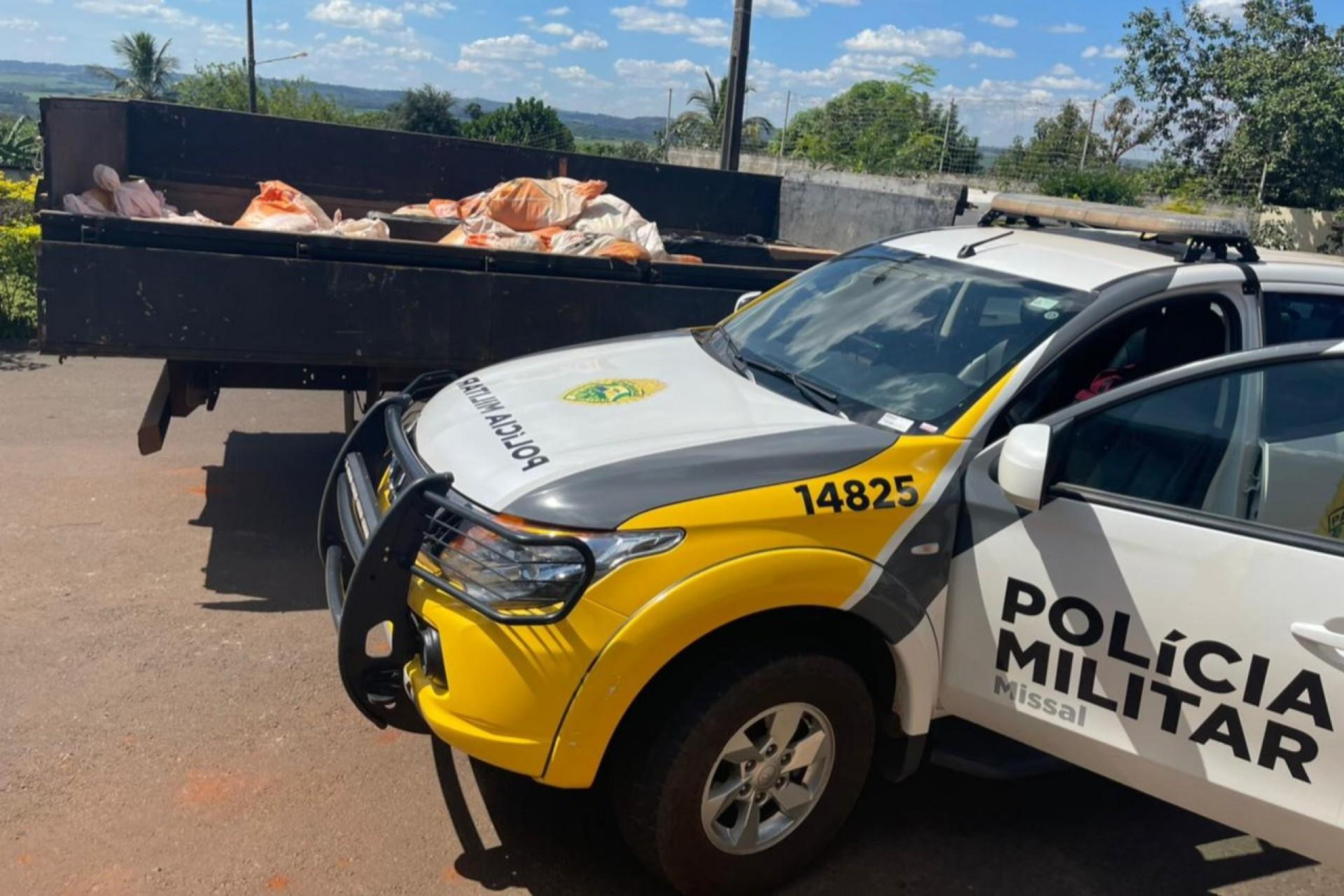 Polícia Militar de Missal apreende camionete com cigarros e prende motorista