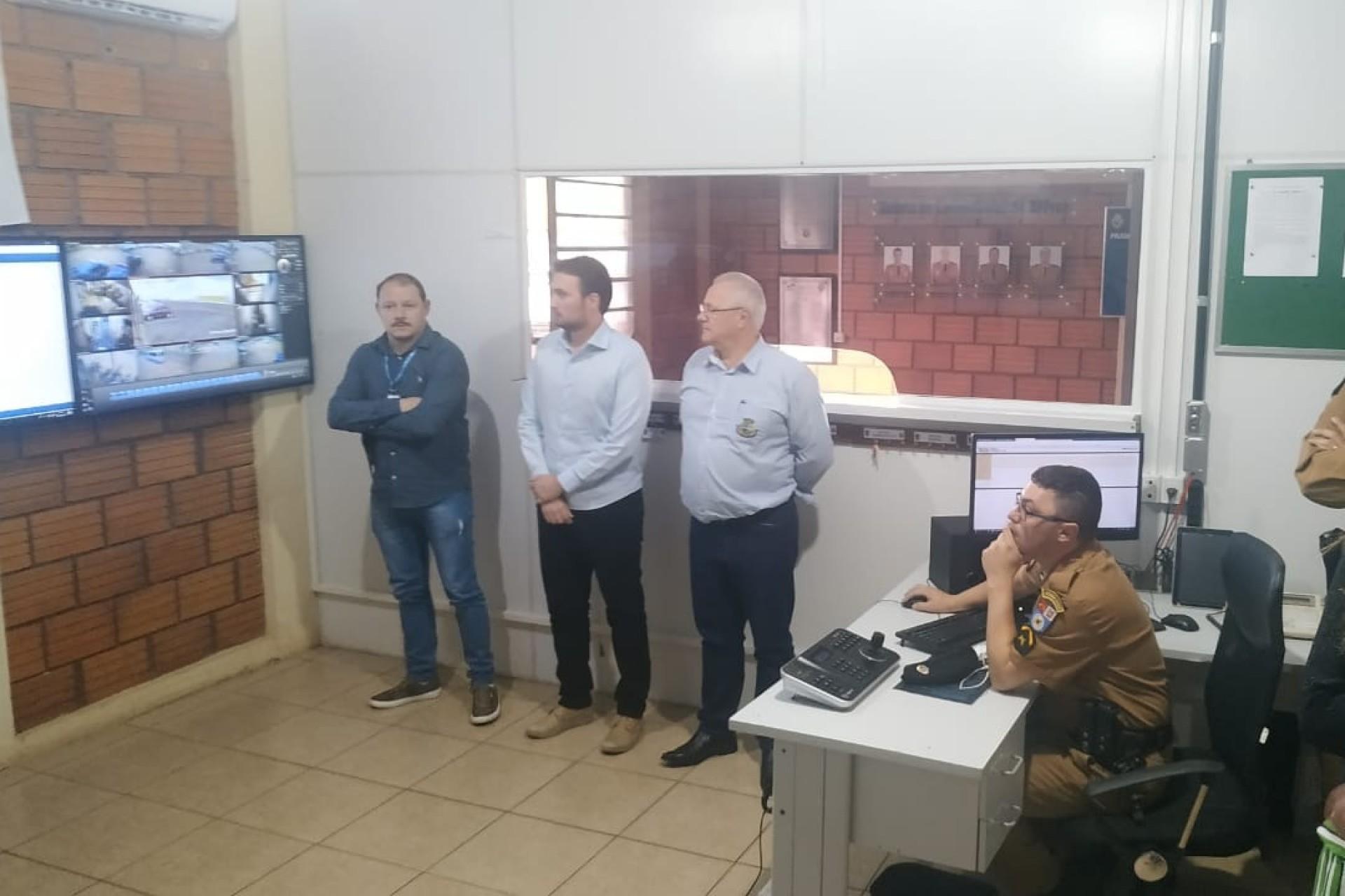 Representantes de Missal participaram da solenidade de reestruturação da sala de Operações do BPFron