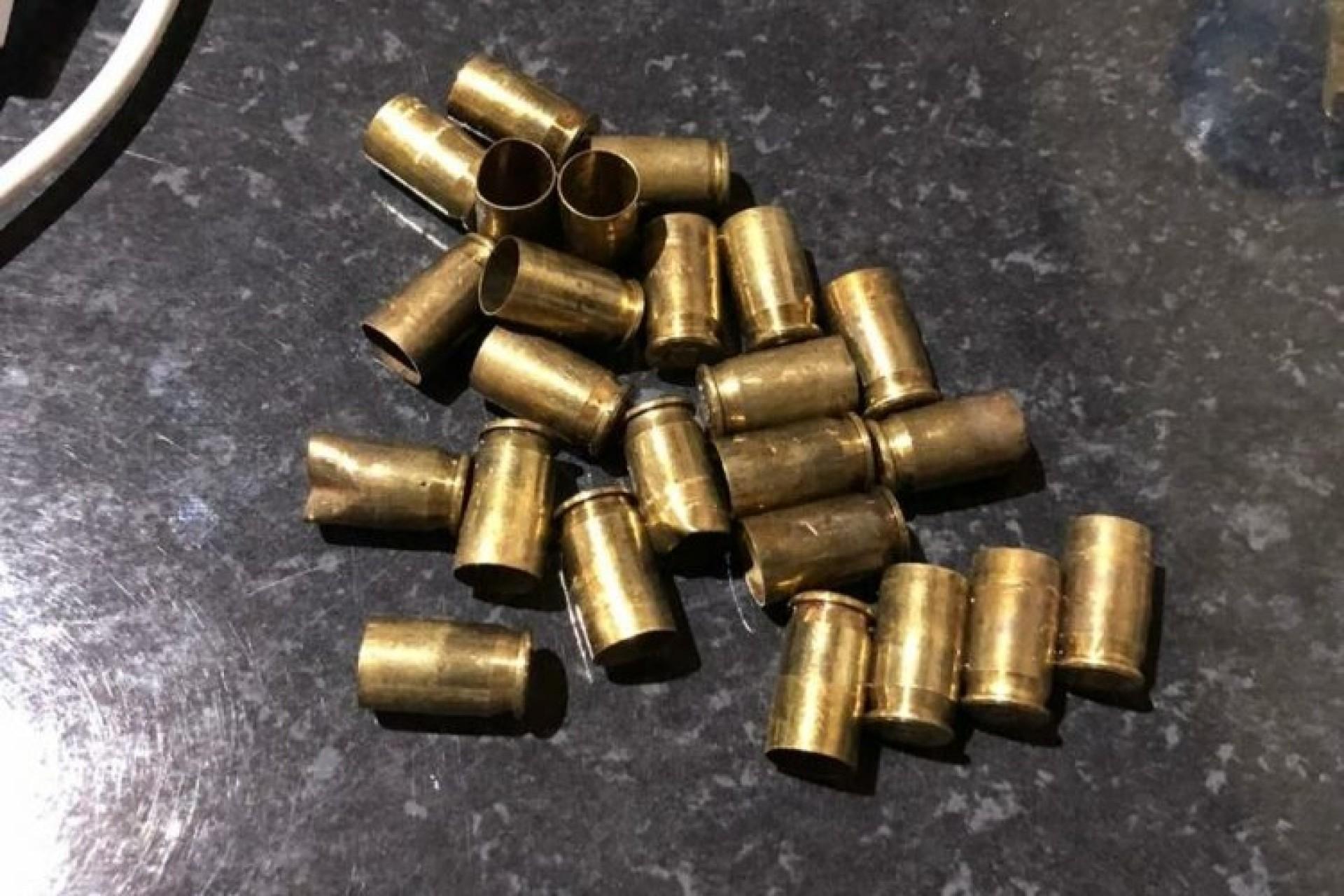 Residência é atingida por 24 disparos de arma de fogo em Itaipulândia