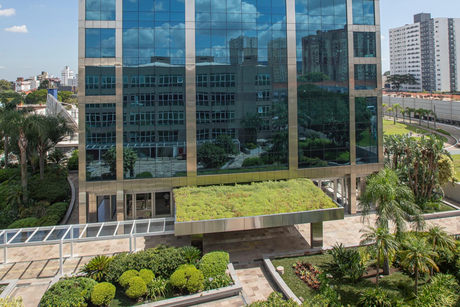 Sicredi expande e alcança marca de 5 milhões de associados