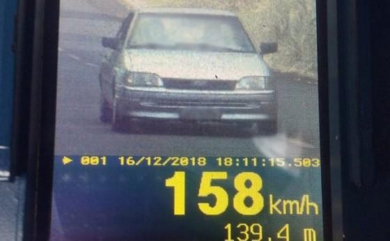 """217 veículos são flagrados acima da velocidade; """"Escort envenenado"""" estava a 158 Km/h"""