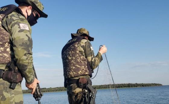 Polícia Ambiental do Paraná apreende 1.400 metros de redes no Lago de Itaipu