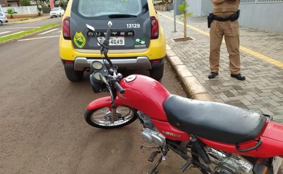 A Policia Militar de Itaipulândia apreende motocicleta