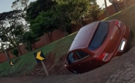 Acidente deixa uma pessoa ferida na 'curva do cemitério' em Santa Helena