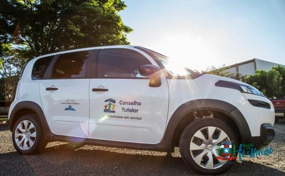 Administração Municipal de Missal entrega veículo para Conselho Tutelar