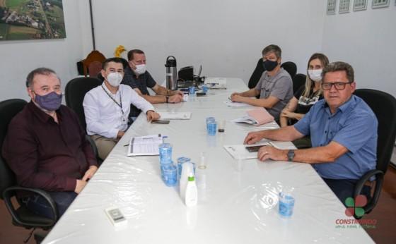 Administração Municipal de Missal se reúne com representantes da SEAB