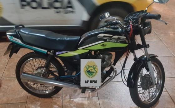 Adolescente é apreendido após empinar moto e colidir em viatura da Polícia Militar de São Miguel