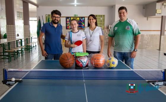 Aluna da Escola Aurélio Pilotto de Missal se destaca em competições de Tênis de mesa no Paraná