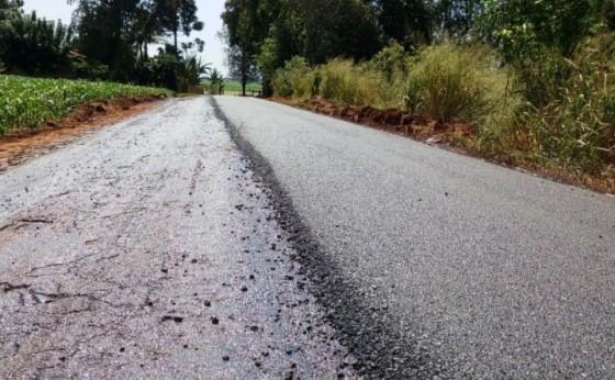 Atenção: Nova camada de asfalto está sendo colocada na estrada que liga Itaipulândia a Missal