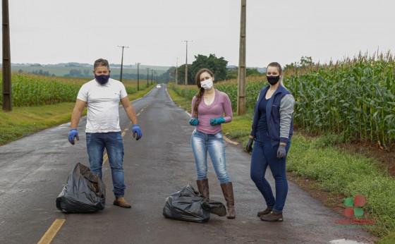 Atividades da Semana do Meio Ambiente em Missal iniciam com limpeza de beira de estrada