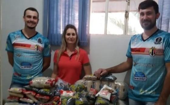Bloco Thiltapes entrega mais de 250 kg de alimento para o CRAS de Missal