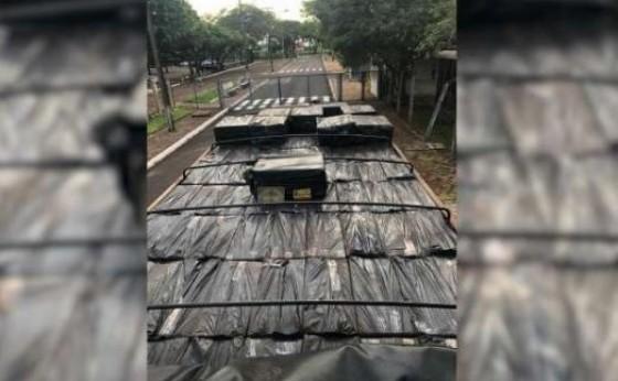 Caminhão carregado com 280 caixas de cigarros é apreendido em Itaipulândia