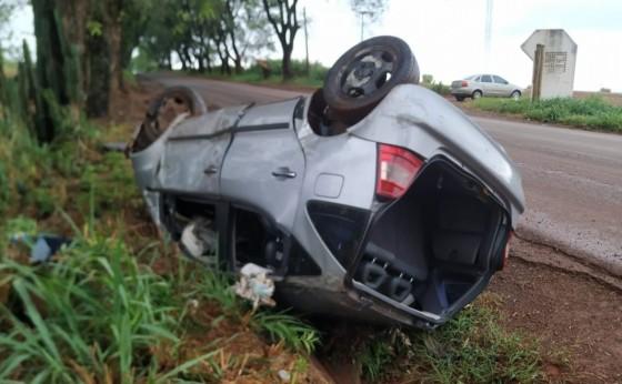 Capotamento na PR 497, deixa dois feridos; um em estado grave