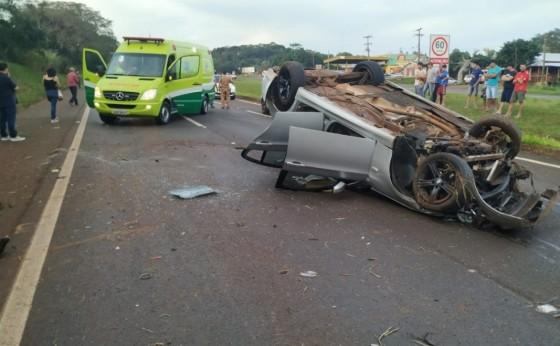 Casal e bebê ficam feridos em acidente na BR 277 em São Miguel