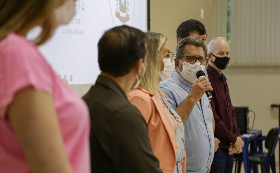 Comitiva com prefeitos mineiros visita Missal para conhecer boas práticas da região