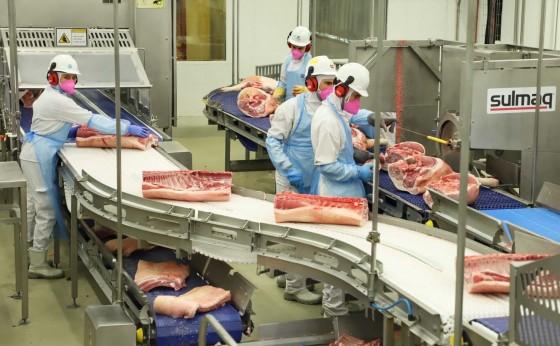 Cooperativas reúnem agroindústrias gigantes no mercado de carnes