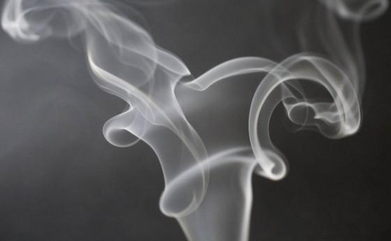 Covid-19: Fumar pode diminuir resposta imune da vacina, sugere estudo