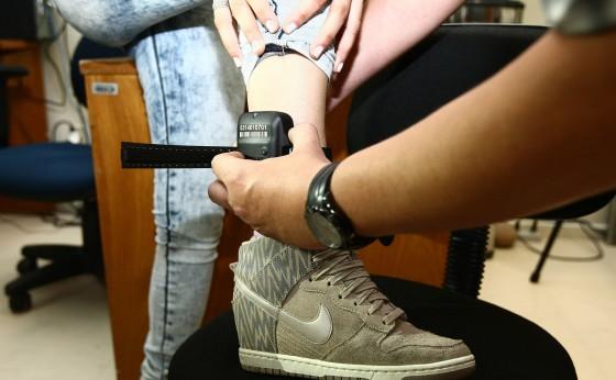 Decreto regulamenta que presos paguem as tornozeleiras eletrônicas