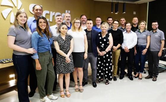 Delegação internacional visita o Brasil para conhecer modelo de inclusão de jovens no cooperativismo