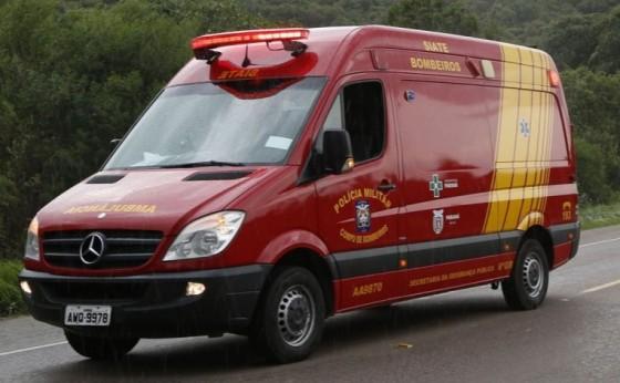 Distraída com celular, jovem cai de viaduto na BR-277 e fica em estado grave