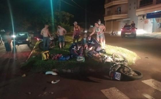 Duas pessoas morrem em batida entre motos no centro de Santa Helena