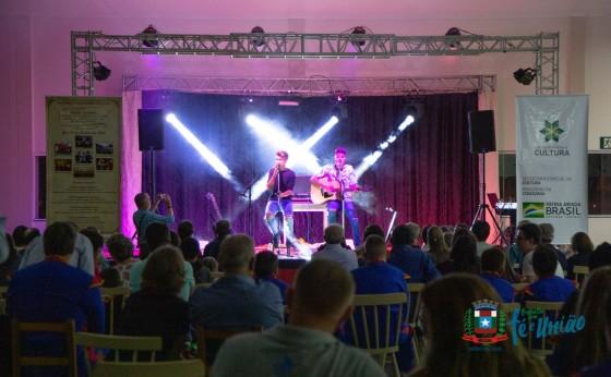 Dupla Sertaneja, Fanfarra Municipal e DJ Alemão se apresentaram sábado em Missal