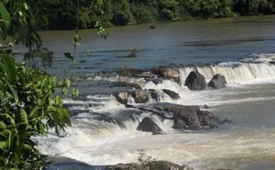 Embarcação com nove pessoas vira e seis continuam desaparecidas no Paraná