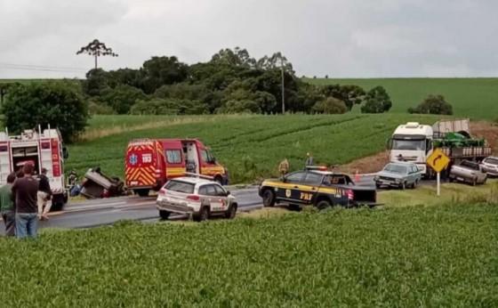 Grave acidente deixa duas vítimas fatais com veículo com placas de Missal
