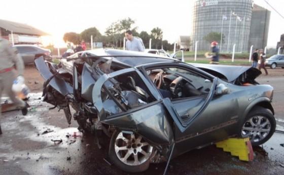 Grave acidente envolvendo três veículos deixa uma vítima fatal e três feridos na PR 488