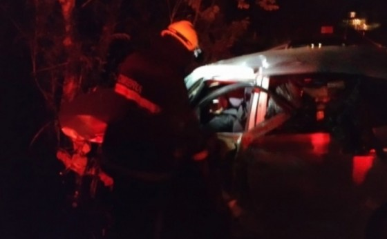 Grave acidente envolvendo três veículos na PR 495 próximo ao Portão Ocoí