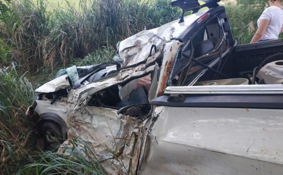 Homem morre após veículo colidir em árvore na rodovia PR 497 em São Miguel do Iguaçu