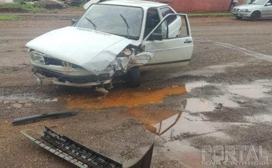 Homem se envolve em dois acidentes e foge dos locais em Santa Helena