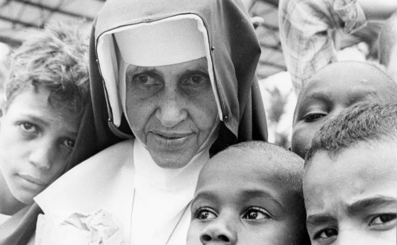 Irmã Dulce é canonizada pelo Papa Francisco e se torna a primeira santa brasileira
