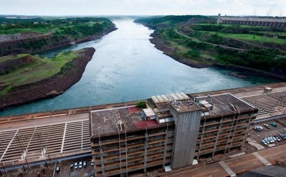 Itaipu passa a divulgar boletim diário sobre nível do rio Paraná