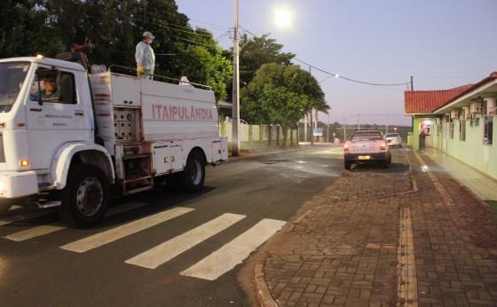Itaipulândia inicia higienização nas ruas contra o Coronavírus