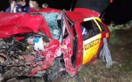 Jovem de 19 anos morre e três bombeiros ficam gravemente feridos em acidente na BR 280