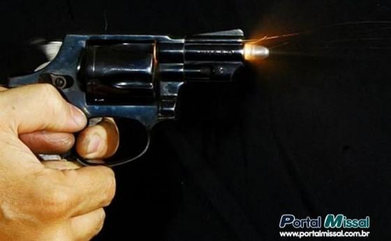 Jovem é atingido por disparos de arma de fogo em Missal