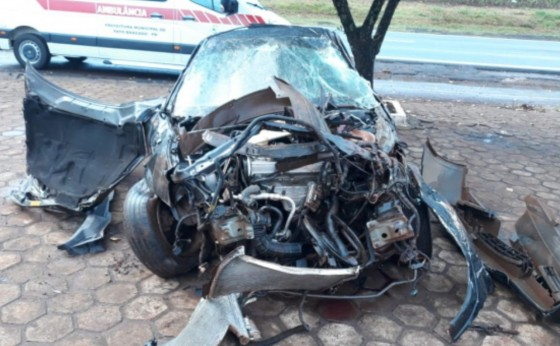 Jovem fica em estado grave após capotar veículo na PR-495